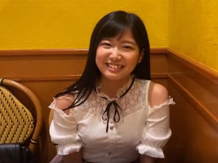 《失禁アクメ》関西弁が超カワイイJD娘『尻フェチも納得の最高峰美尻。。。』手マンすれば潮がビシャビシャーと噴き出す!