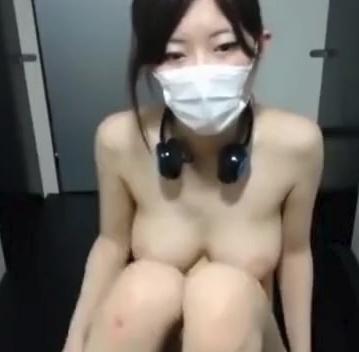 可愛い爆乳娘がオナ生放送!見飽きることのないエロ動画