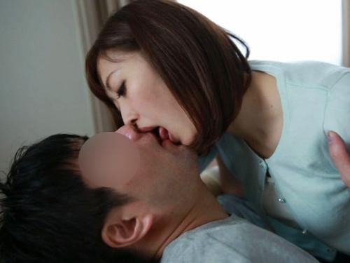 <人妻>「お願い。。抱いて。。♡」隣人の人妻と関係を持ち。。誰にも言えない間柄に