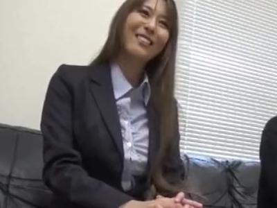 奇麗な女上司が若者男性社員を筆おろし!やさしくリードしてくれる美人OL!おすすめの性処理動画