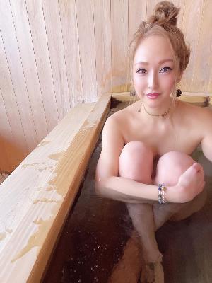 【インスタグラム入浴中】インスタで入浴中までアップして嬉しさ満点w